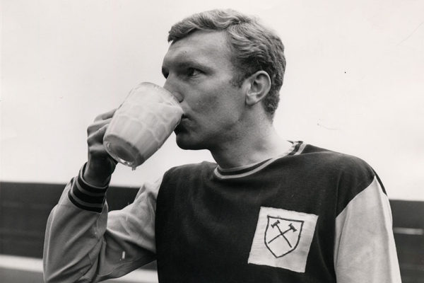1964-bobby-moore-tdc