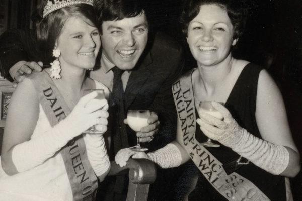1967-tony-blackburn-at-the-dairy-queen-tdc